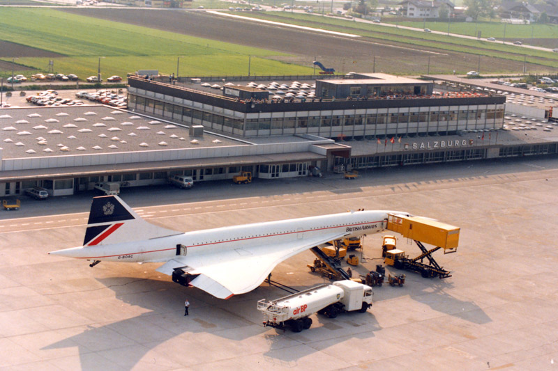 1988-09-20 British Airways Concorde in Salzburg